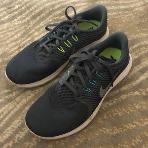 Nike run free sneakers size 8.5 worn good cond